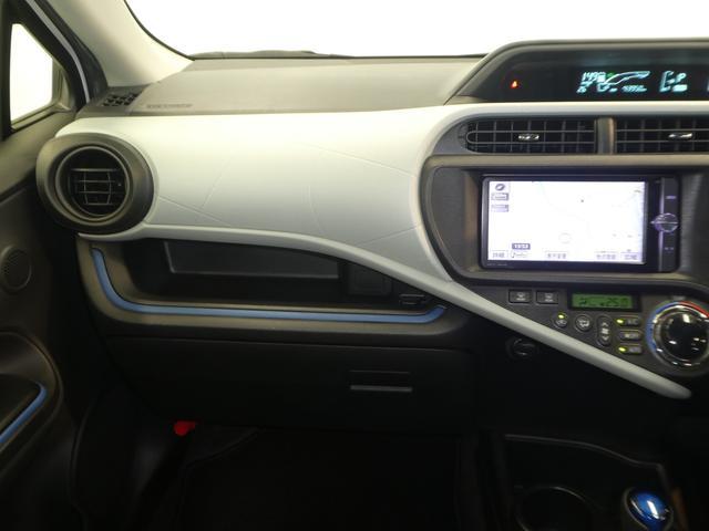 トヨタ アクア S メモリーナビ フルセグ LEDオートライト バックカメラ