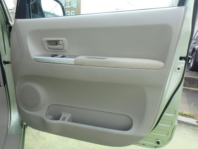 運転席ドア内張の画像です。