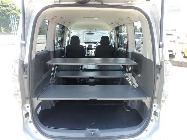 トランス-X タープ/マット付車中泊仕様車 デッキボード 5人乗り4ナンバー登録可 ダブルエアコン 純正HIDヘッドライト ナビ ワンセグテレビ DVDビデオ再生 ETC車載器 Wエアバッグ ABS(9枚目)