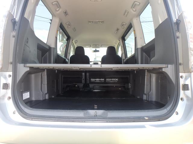 トランス-X タープ/マット付車中泊仕様車 デッキボード 5人乗り4ナンバー登録可 ダブルエアコン 純正HIDヘッドライト ナビ ワンセグテレビ DVDビデオ再生 ETC車載器 Wエアバッグ ABS(13枚目)