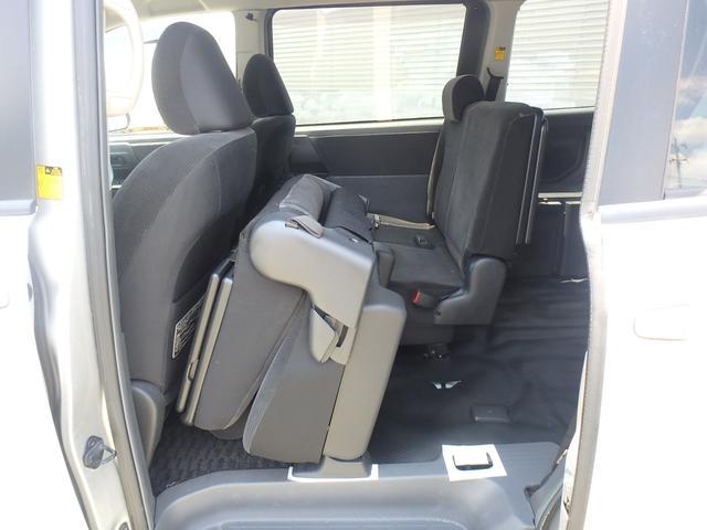 トランス-X タープ/マット付車中泊仕様車 デッキボード 5人乗り4ナンバー登録可 ダブルエアコン 純正HIDヘッドライト ナビ ワンセグテレビ DVDビデオ再生 ETC車載器 Wエアバッグ ABS(16枚目)