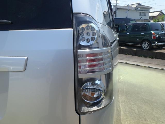 トランス-X タープ/マット付車中泊仕様車 デッキボード 5人乗り4ナンバー登録可 ダブルエアコン 純正HIDヘッドライト ナビ ワンセグテレビ DVDビデオ再生 ETC車載器 Wエアバッグ ABS(52枚目)