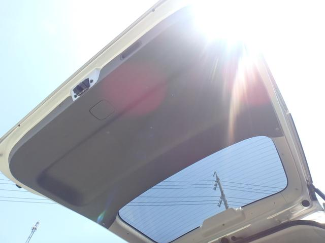 トランス-X タープ/マット付車中泊仕様車 デッキボード 5人乗り4ナンバー登録可 ダブルエアコン 純正HIDヘッドライト ナビ ワンセグテレビ DVDビデオ再生 ETC車載器 Wエアバッグ ABS(72枚目)