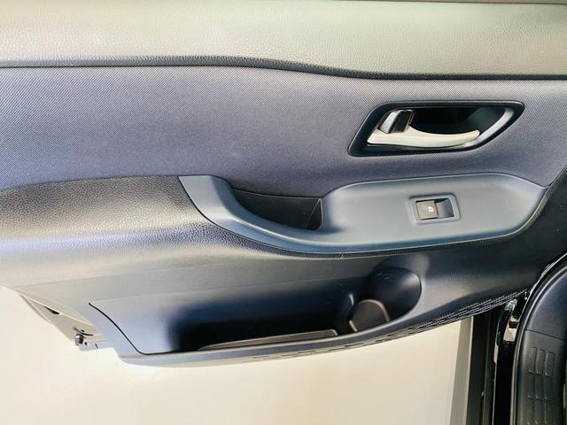 Si 福祉車両 サイドリフトアップシート 両側電動スライドドア スマートキー ナビ TV(フルセグ) DVD再生 Bluetooth接続 後席モニター ETC 衝突被害軽減システム オートマチックハイビーム(57枚目)