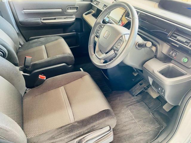 スパーダ ホンダセンシング 福祉車両 サイドリフトアップシート 車線逸脱 横滑り防止装置 ナビTV オートエアコン バックカメラ 両側電動SD 禁煙 オートライト DVD スマートキー フルセグ ETC Wエアコン ABS(11枚目)