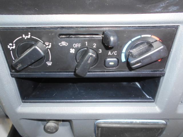 VX-SE 4WDHi-LO切り替え付き 三方開 作業灯 エアコン パワーステアリング MT5速(29枚目)
