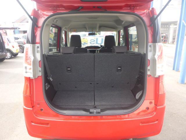 後席乗車時でも、しっかり荷室スペースを確保!