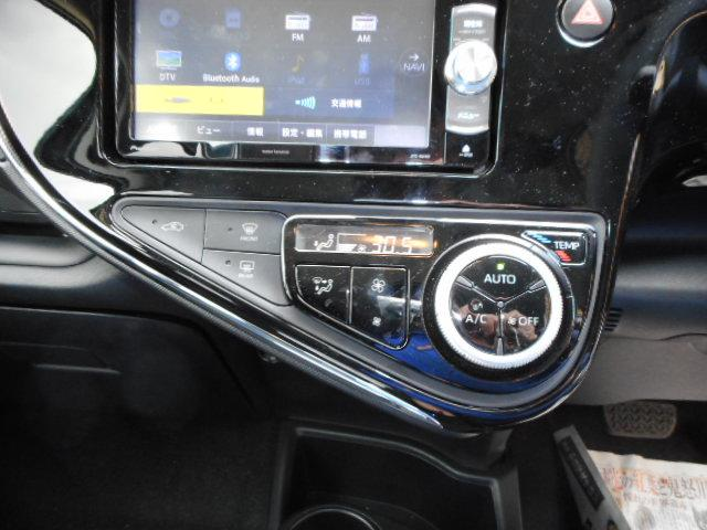 トヨタ アクア S スマートエントリーPG ナビBKカメラ  後期モデル