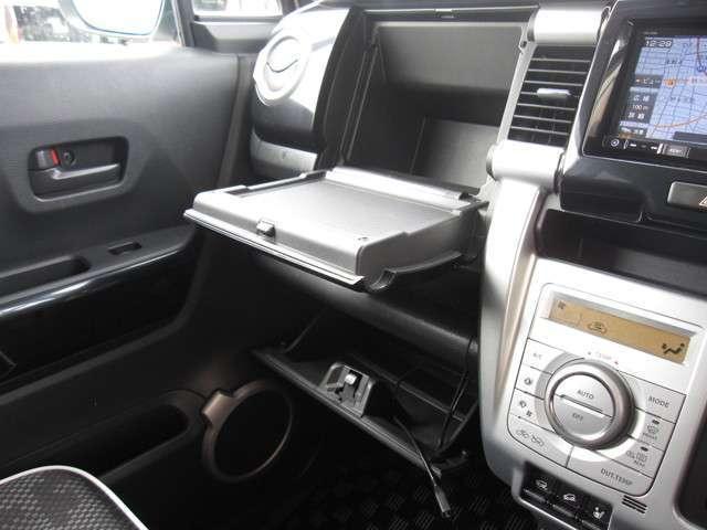 XT 4WD メモリーナビ バックカメラ ETC(10枚目)