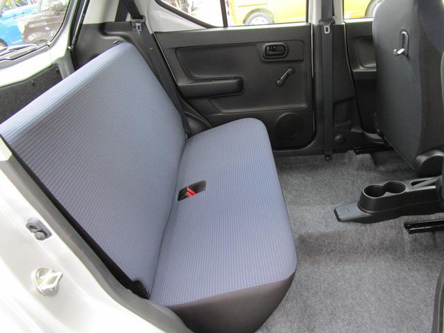 F 4WD 3型 5オートギヤシフト/CDプレーヤー装着車(8枚目)