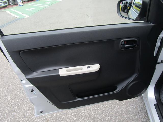 F 4WD 3型 5オートギヤシフト/CDプレーヤー装着車(12枚目)