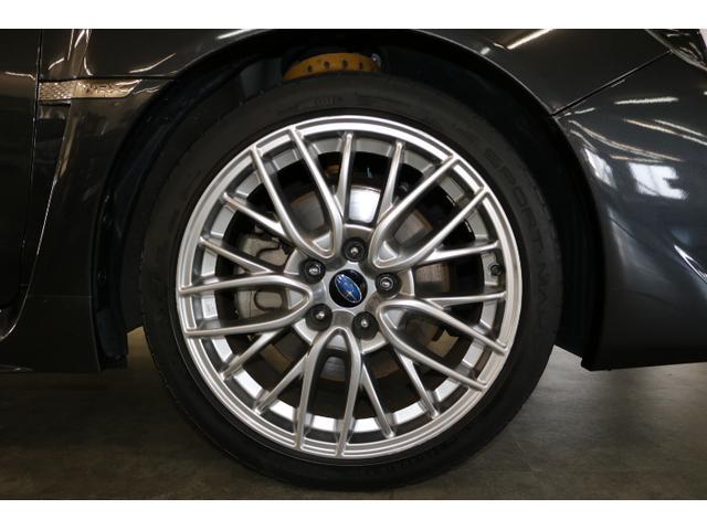 タイヤサイズは245/40R18!おしゃれなハイラスター塗装の純正アルミです!