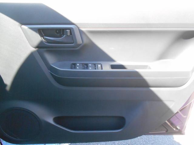 L SAIII ワンオーナー車 キーレスエントリー オートライト オートハイビーム アイドリングストップ クリアランスソナー 衝突被害軽減システム 誤発進抑制制御機能VSC(18枚目)