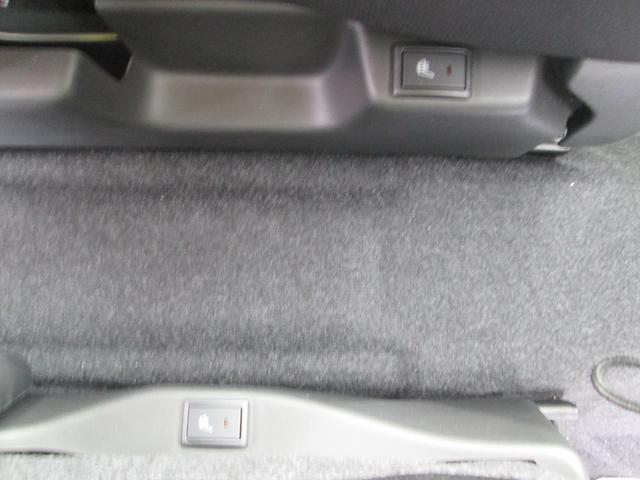 運転席助手席にシートヒーター付いてます