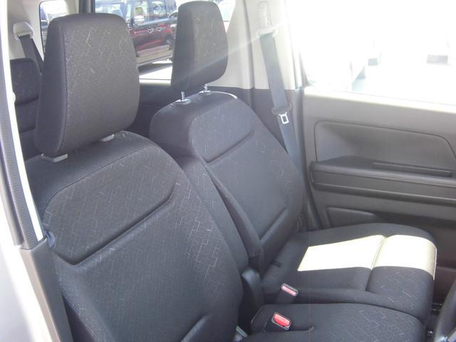 運転席と助手席でございます