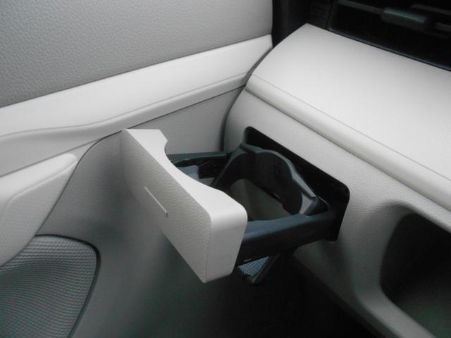 L SAIII ワンオーナー車 キーレスエントリー カーペットマット 衝突被害軽減システム 誤発進抑制制御機能 レーンアシスト オートマチックハイビーム 衝突安全ボディ アイドリングストップ VSC(18枚目)