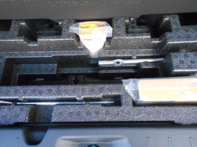 カスタムRS LEDヘッドライト付き 禁煙車(17枚目)