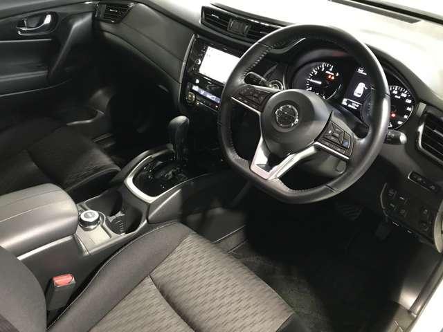 2.0 20Xi 2列車 4WD 360°ビューモニター 全周囲モニター LEDヘッドランプ Pバックドア 衝突被害軽減システム メモリナビ Bカメラ クリアランスソナー アルミホイール 4WD スマートキー フルセグ DVD ABS(6枚目)