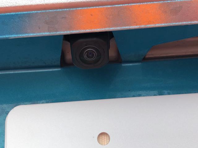 バックカメラで車庫入れラクラク♪♪