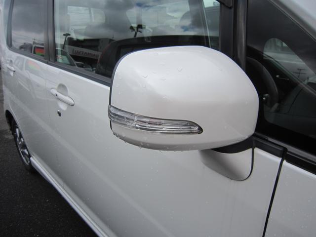 視認性&上質感もアップ!ウィンカー付ドアミラーですよ!
