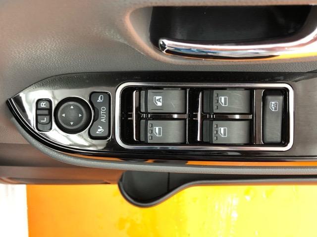 カスタムRSセレクション 両側電動スライドドア・コーナーセンサー・プッシュボタンスタート・ステアリングスイッチ・ETC・オートエアコン・シートヒーター・アルミホイール・キーフリーシステム・パワーウィンドウ(38枚目)