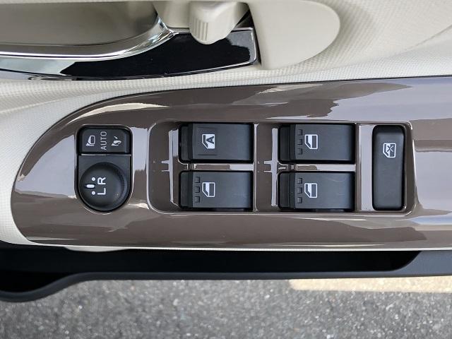 Xメイクアップリミテッド SAIII 両側電動スライドドア・パノラマカメラ対応・プッシュボタンスタート・オートエアコン・ステアリングスイッチ・オートハイビーム・キーフリーシステム・パワーウィンドウ(38枚目)