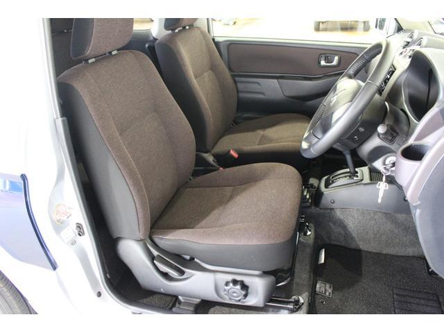 エクシード 4WD キーレス 社外ナビ付(9枚目)