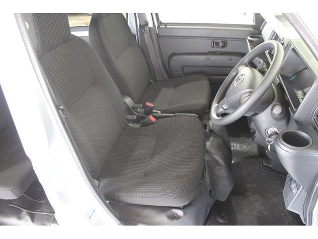 デラックスSAIII 4WD 4WD キーレス 純正ラジオ 両側スライドドア 衝突被害軽減システム(9枚目)