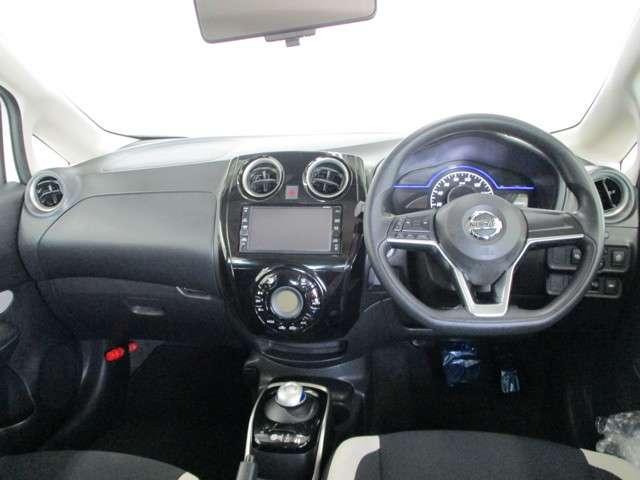 力強い加速性能、燃費性能、コンパクトカーとは思えない広々な室内空間。