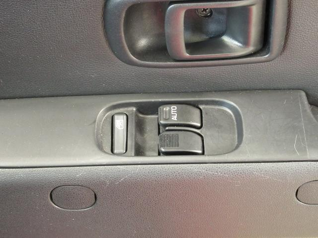 デラックスSAIII  ワンオーナー車 キーレスエントリー アイドリングストップ LEDヘッドランプ オートライト オートハイビーム 衝突被害軽減システム(17枚目)