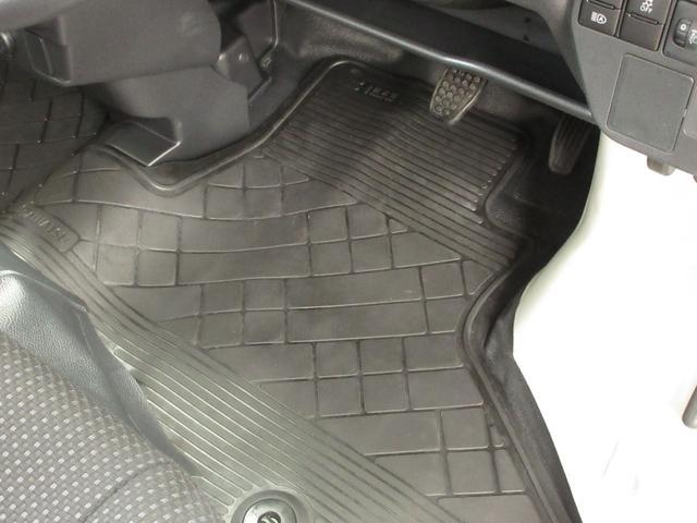 デラックスSAIII ワンオーナー車 キーレスエントリー LEDヘッドランプ オートライト オートハイビーム アイドリングストップ 衝突被害軽減システム VSC マニュアルエアコン(11枚目)