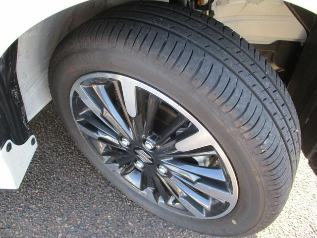 タイヤの溝もしっかり残っておりますので安心して走行可能です。
