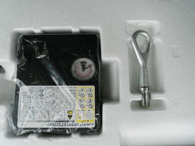 小型のエアコンプレッサー