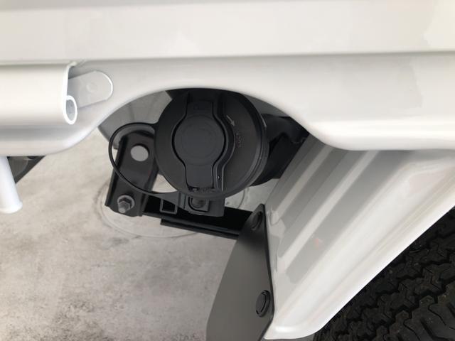 納車前には12ヶ月点検相当の点検と消耗品の交換をダイハツの整備士がしっかり整備してお渡しします。また、納車後には無料の1ヶ月点検がございます。