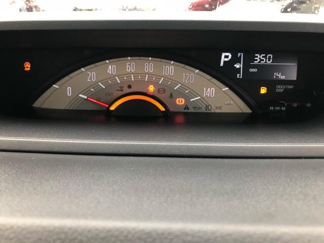 走行距離や燃費がわかるインフォメーションディスプレイ★シートベルトの締め忘れも警告してくれるため安心です^^
