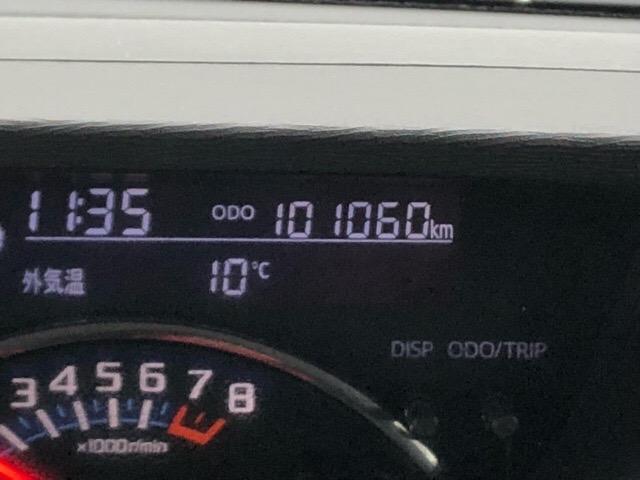 こちらのお車は走行10万キロ越えですが、こまめなメンテナンスで内外装共にキレイ☆まだまだ現役で走れるお得な1台です(^^ゞ