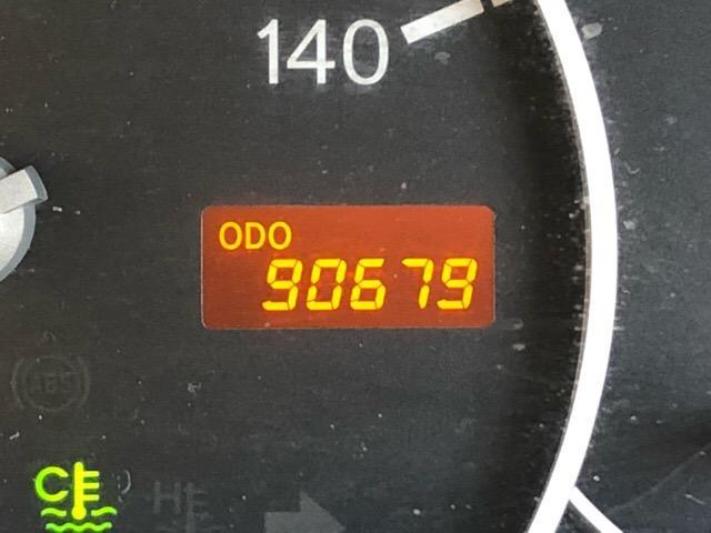 こちらのお車は走行約10万キロですが、こまめなメンテナンスで内外装共にキレイ☆まだまだ現役で走れるお得な1台です(^^ゞ