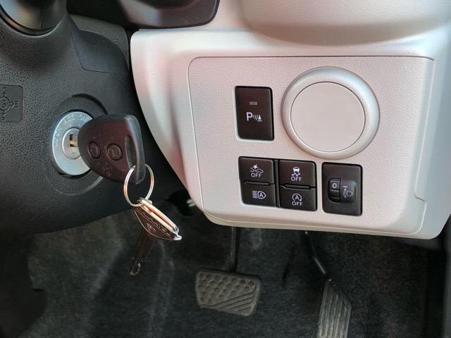 【キーレスエントリー】リモコンのボタンを押すだけで、ドアロックの施錠/解錠ができる便利アイテムです☆荷物で手が塞がっているときや雨の日に重宝しますよ☆