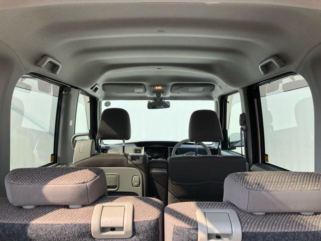 シートや収納部分だけではなく、細かな隙間まですべて洗浄致します。