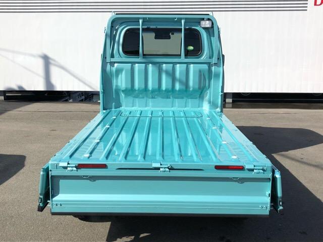 荷物の積み下ろしに便利な三方開です!