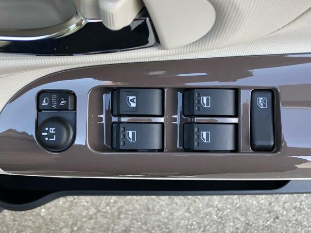 Gメイクアップリミテッド SAIII 両側電動スライドドア・パノラマカメラ・プッシュボタンスタート・オートエアコン・ステアリングスイッチ・オートハイビーム・キーフリーシステム・パワーウィンドウ(38枚目)