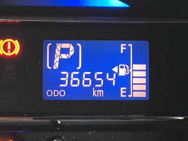 X 35thアニバーサリーゴールドエディション SA スマートアシスト・エコアイドル・CDオーディオ・キーレスエントリー・アルミホイール・パワーウィンドウ(5枚目)