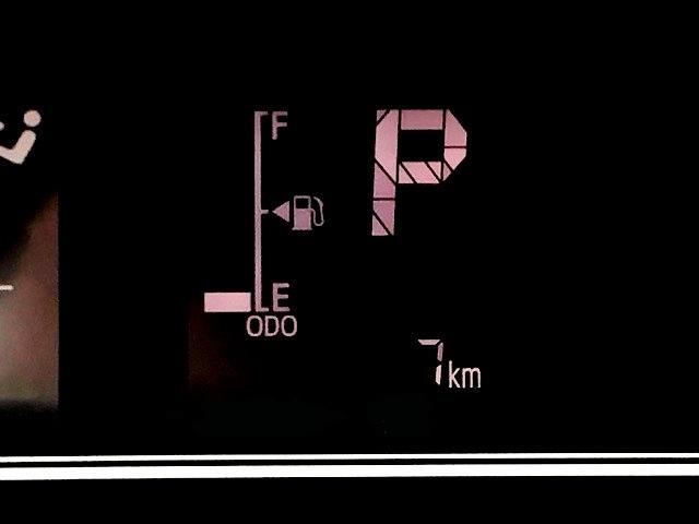 X 片側電動スライドドア・届出済未使用車・コーナーセンサー・プッシュボタンスタート・ステアリングスイッチ・オートエアコン・キーフリーシステム・ベンチシート・パワーウィンドウ(6枚目)