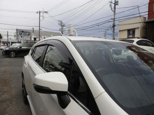 スバルは交通事故による死傷者0を目指してます!運転席・助手席・サイドエアバック装備!