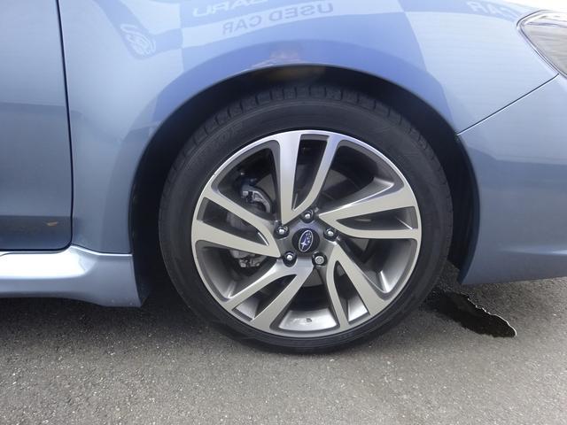 純正アルミホイール装備!鉄ホイールと違って軽いので燃費にも影響してきます。タイヤサイズ(225/45R18)