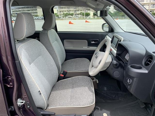 運転席/後部座席も当然、綺麗・清潔に仕上げております。内装の綺麗なお車は気持ちが良いですし、コンディションのいい車が多いです。