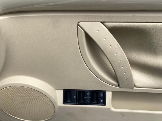 後部座席までの窓の調整も可能