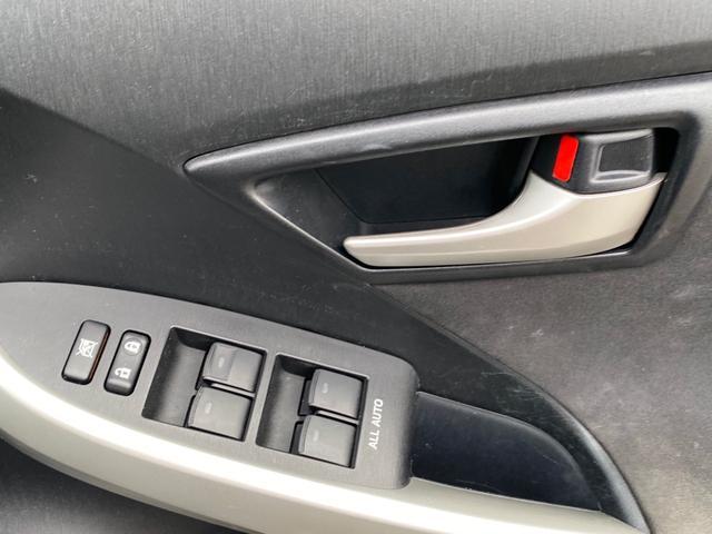 全席AUTO機能付きの窓で操作も簡単に行えます
