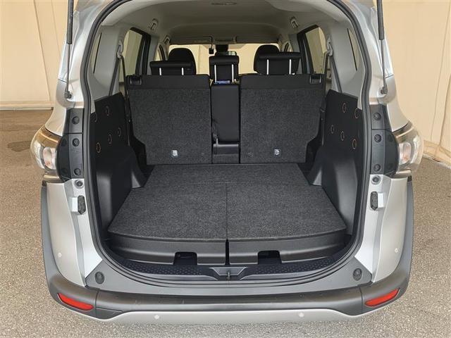 応急パンク修理キット・車載工具を装備してます。
