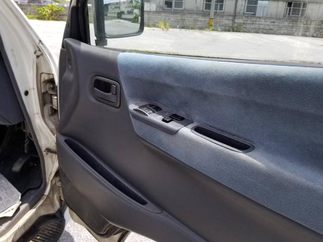 「トヨタ」「ハイエース」「ミニバン・ワンボックス」「沖縄県」の中古車26